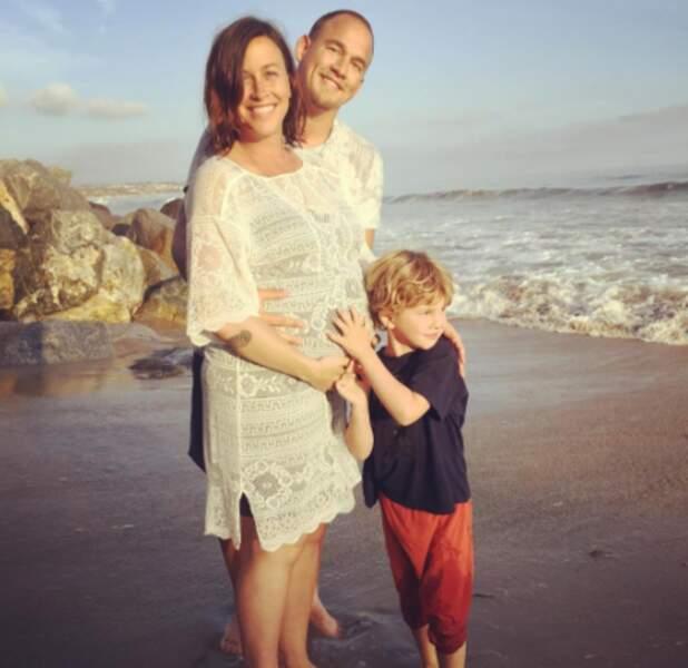 Le gros bidou d'Alanis Morissette, enceinte de son 2e enfant.