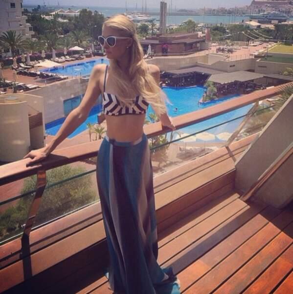 Paris Hilton, sexy à Ibiza