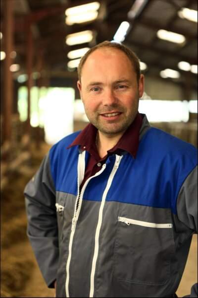 Damien, 36 ans, éleveur de vaches laitières et allaitantes.