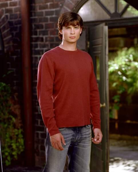 Smallville, a commencé en 2001 ! Voici Tom Welling, alias Clark Kent, alias... Superman aux débuts de la série