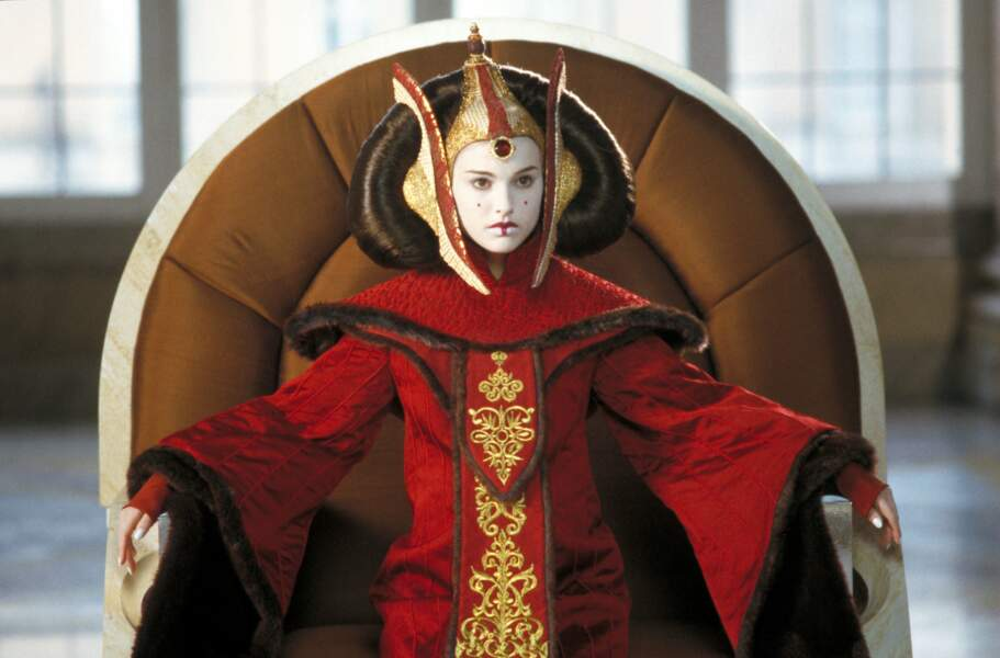 Natalie Portman dans la peau de Padmé Amidala dans La Menace fantôme (1999)