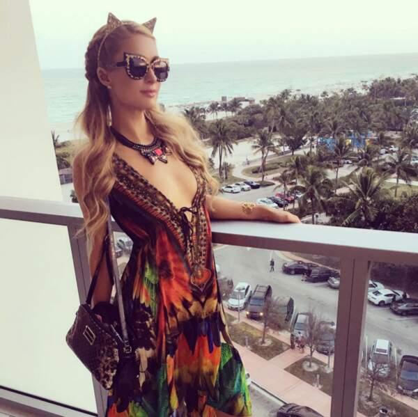 Et à Paris Hilton qu'elle n'est pas un chat. TU N'ES PAS UN CHAT, PARIS !