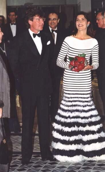 Le créateur a même habillé une princesse : Caroline de Monaco a choisi ses rayures pour le Bal de la Rose en 2000