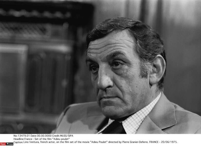 Lino Ventura, ici sur le tournage d'Adieu poulet