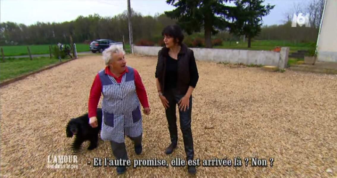 Isabelle est-elle venue séduire Thierry ou sa maman Carmen ? On ne sait plus !