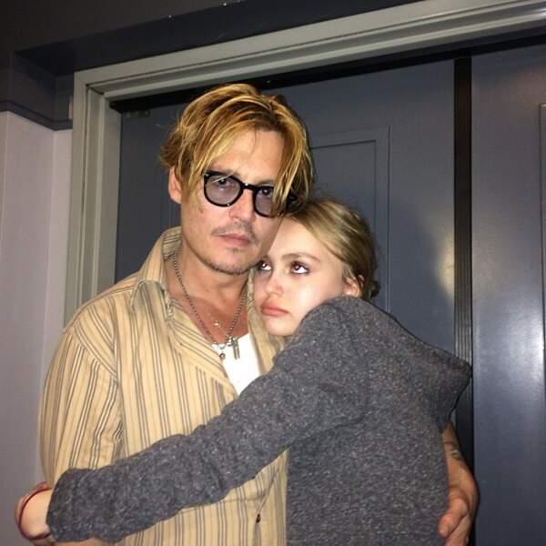 Et papa, le beau gosse Johnny Depp.