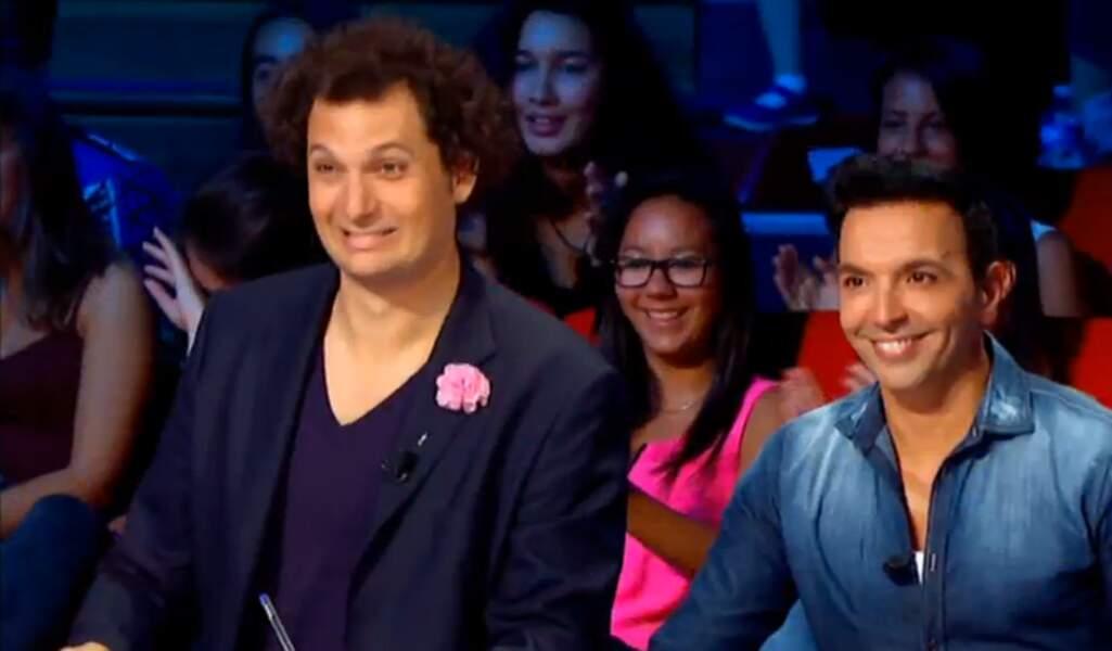 """La chemise """"délavée"""" en jean de Kamel Ouali, ce ne serait pas un poil démodé ?"""