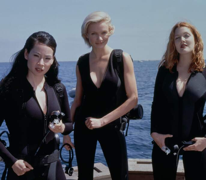 En 2000, elle joue dans Charlie et ses drôles de dames