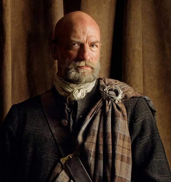 Tout aussi austère, voici Dougal MacKenzie, l'autre oncle de Jamie
