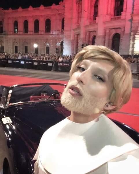 Conchita Wurst est passée au blond et ça lui va plutôt bien, non ?