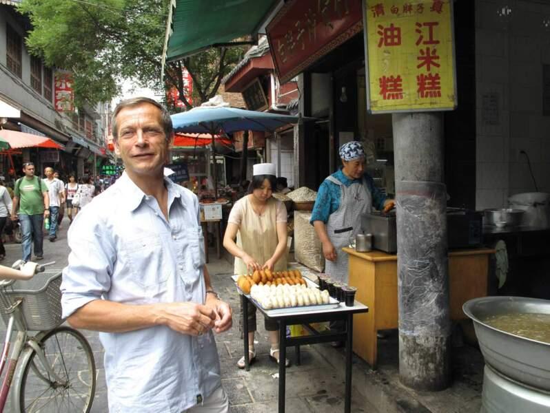 """Il a également été faire un petit tour en Chine pour les documents """"Dans les pas de Jules Verne"""""""