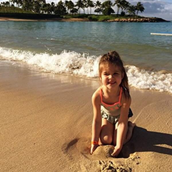 Harper à Hawaï ? Tellement mignonne que tous les parents du monde aimeraient l'adopter