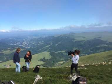 Chèvres, agriculteurs, nature... Quand Fanny Agostini part en reportage à la campagne