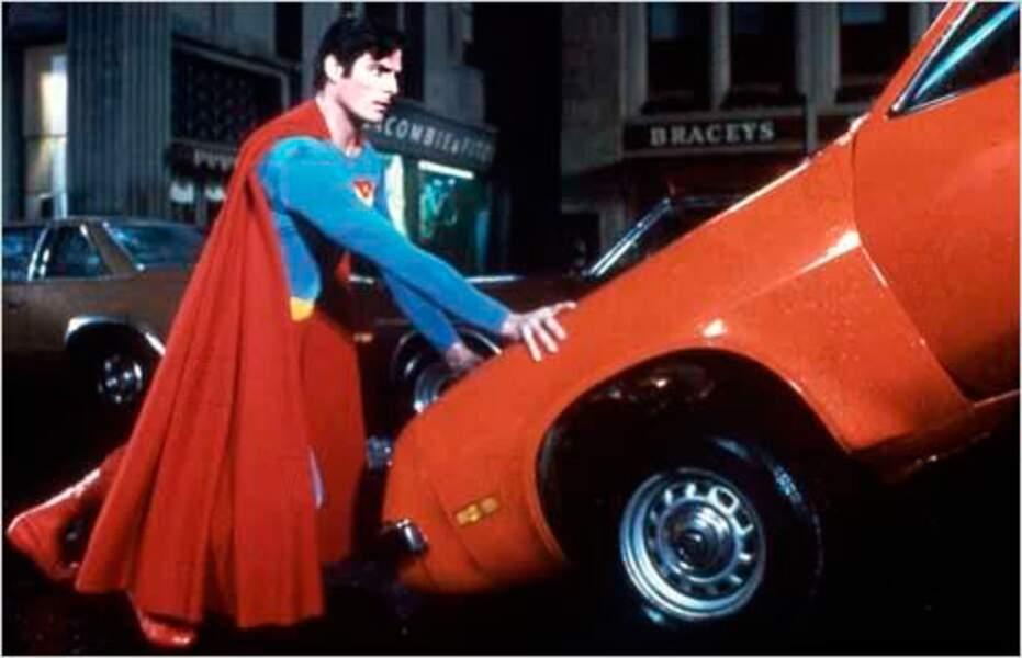 Superman 4 (1987) : quatrième et dernière apparition de Christopher Reeve avec la cape rouge
