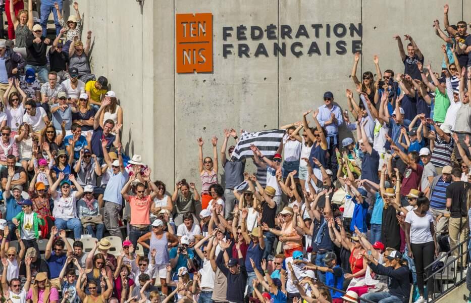 Roland-Garros, c'est comme un festival de rock : IL Y A TOUJOURS CE FOUTU DRAPEAU BRETON !!