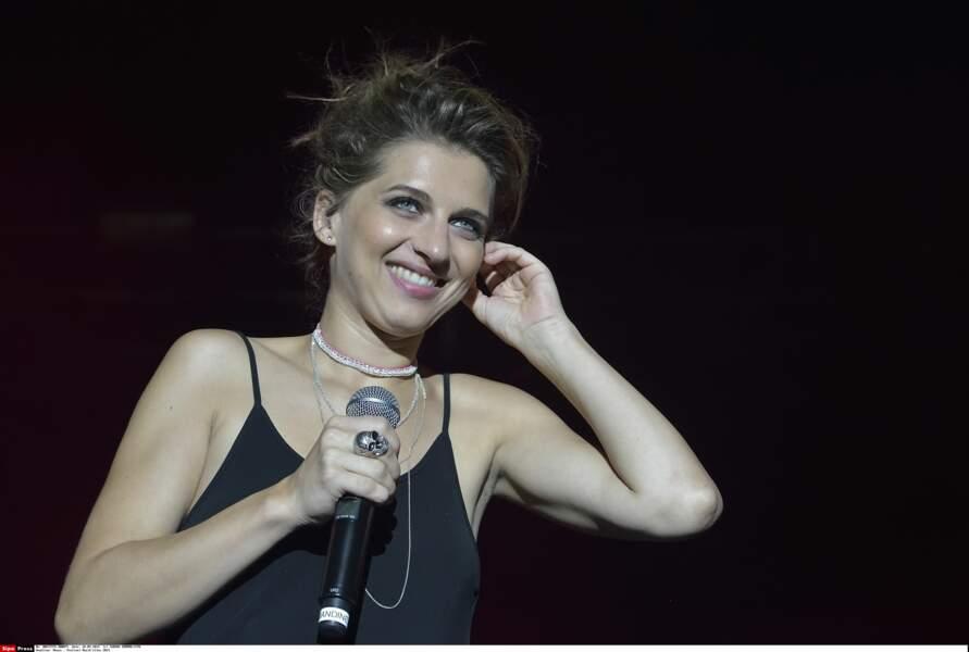 Amandine Bourgeois remporte la sixième saison de Nouvelle Star en 2007 sur M6