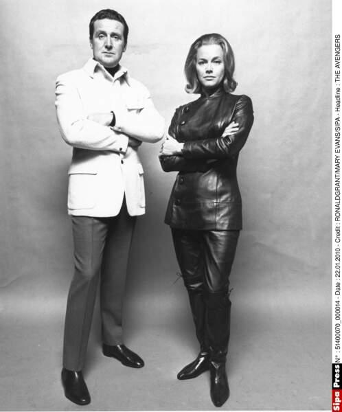 De 1962 à 1964, Patrick Macnee joue aux côtés d'Honor Blackman, alias Cathy Gale. Un autre duo glamour !
