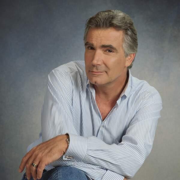 """Dans la famille Forrester voici le père et créateur de """"Forrester originals"""" : Eric, joué par John Mc Cook (1990)"""
