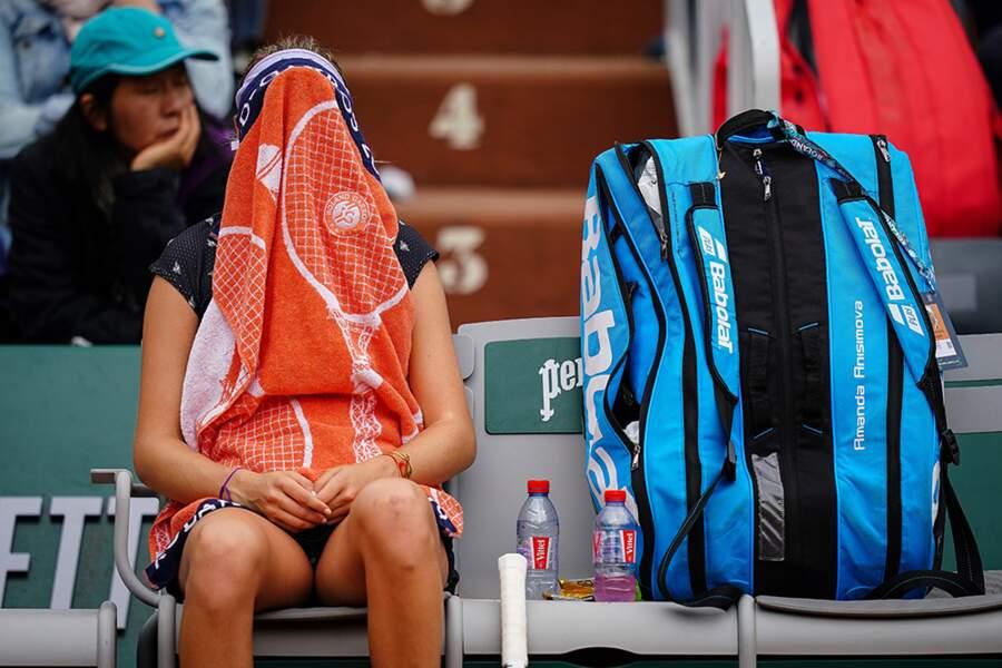 Amanda Anisimova médite (à sa façon) avant le changement de côté