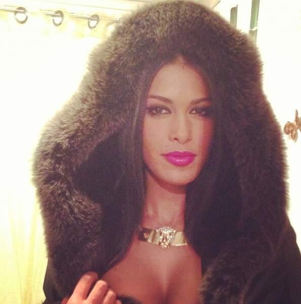 Ayem Nour (Secret Story 5), toujours très glamour avec une pointe de sexy...