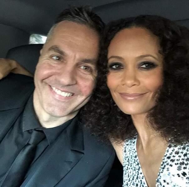 Thandie Newton et son mari, tout sourire
