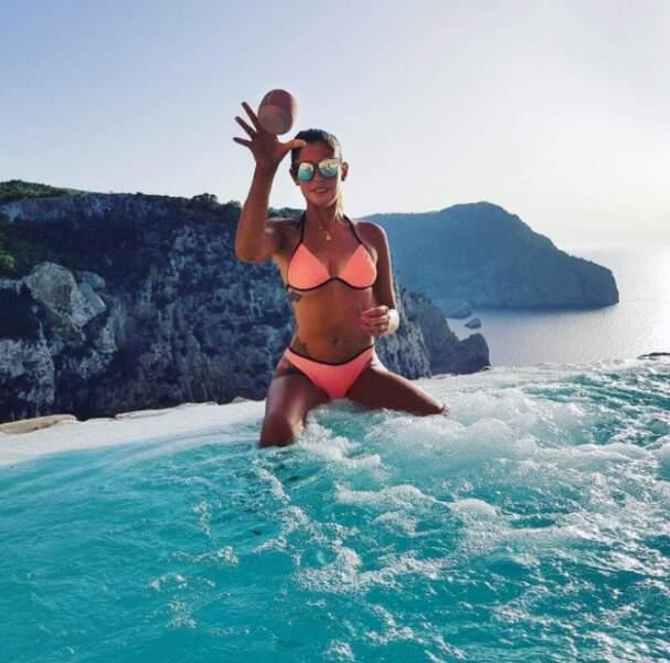 Au début du mois de juillet, c'était Coralie Porrovecchio qui passait du bon temps à Ibiza