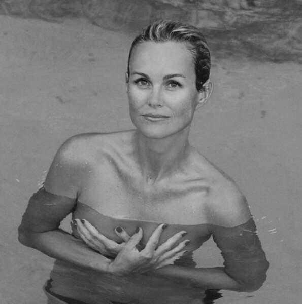 Pause topless pour Laëticia Hallyday à Saint-Barth'.