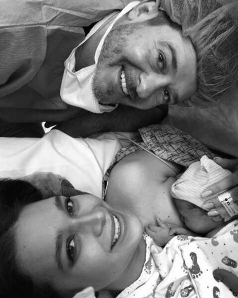 On envoie toutes nos félicitations à Robin Thicke et April Love Geary, parents d'une petite Lola.