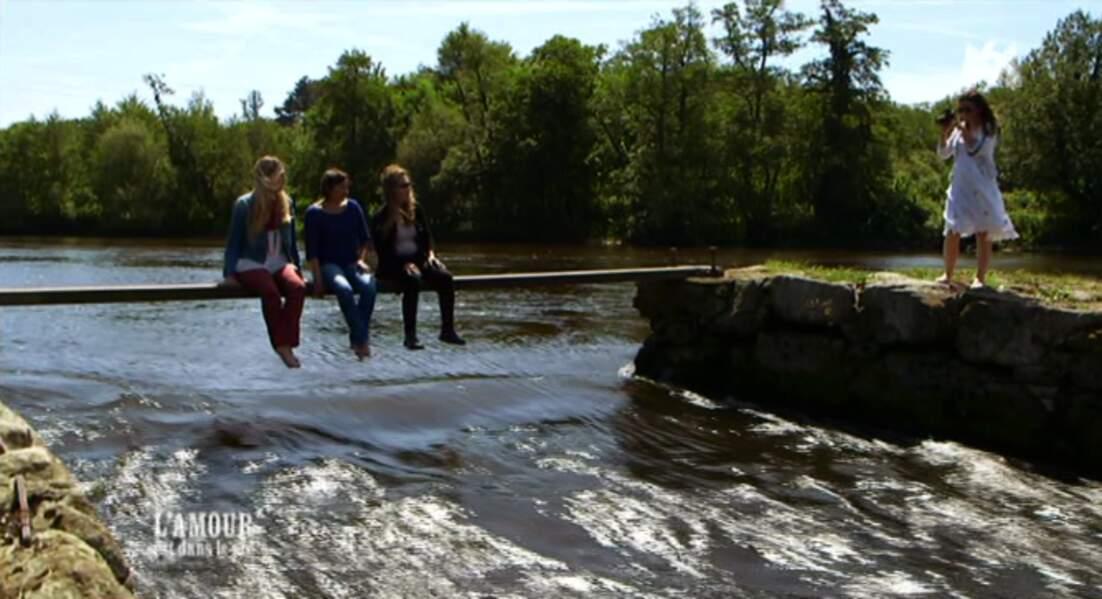 Et Virginie les immortalisent sur ce ponton un peu précaire... On serait elles, on regagnerait vite la rive !