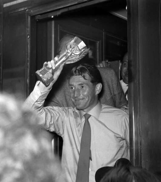 1954 - Fritz Walter, capitaine de la RFA vainqueur face à la Hongrie