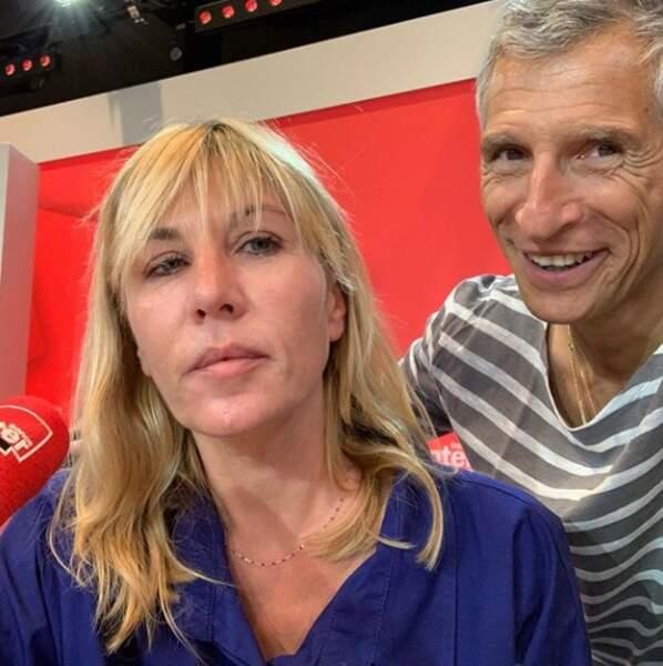 Nagui est visiblement heureux de poser avec Mathilde Seigner qui est, euh... Très heureuse, elle aussi !
