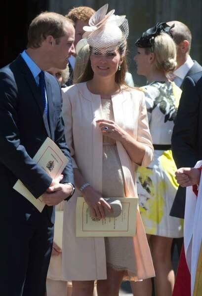 Si William est aussi attentionné aux 60 ans du couronnement de la reine en juin 2013, c'est que bébé va arriver !