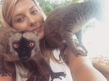 Instagram : Emily Ratajkowski topless, Camille Cerf et ses amis les lémuriens...