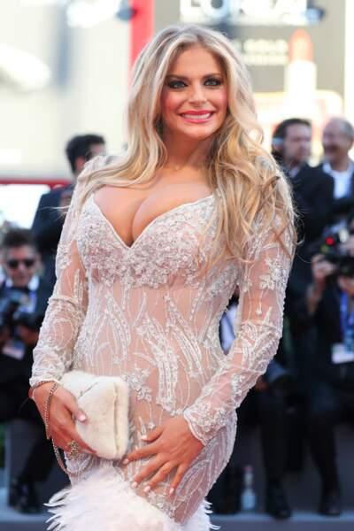 Francesca Cipriani, présentatrice italienne, a TOUT donné !