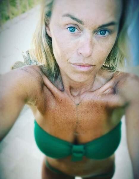 Cécile de Ménibus au naturel en bikini