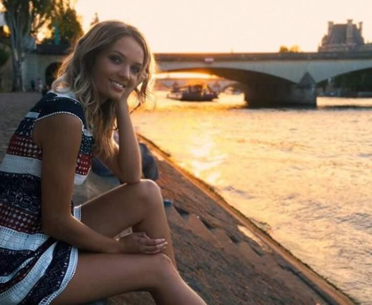 La jolie jeune femme est originaire du Sud-Ouest de la France