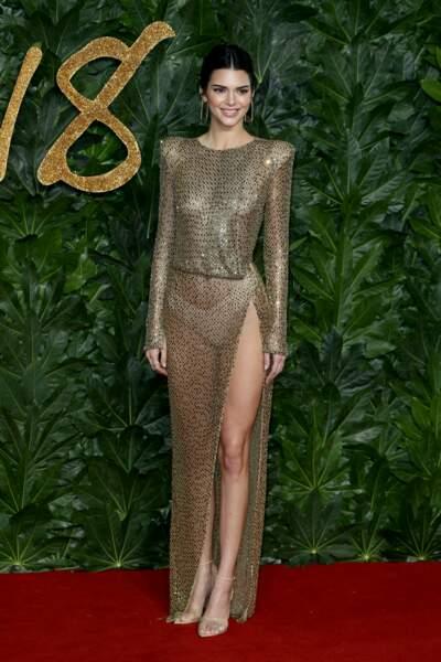 Pour tenter de lui faire de l'ombre, Kendall Jenner a tout misé sur sa tenue