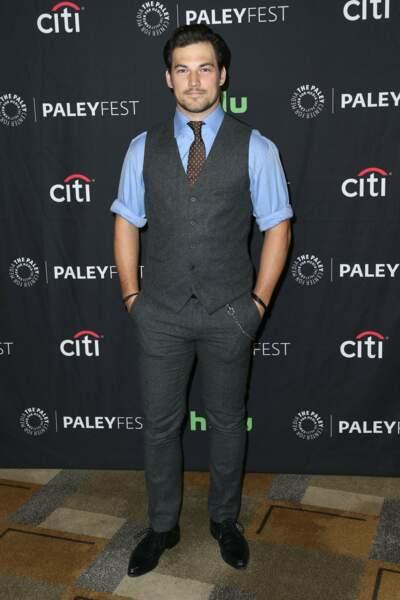 Giacomo Gianniotti (Andrew), aussi gentleman sur le tapis rouge que dans la série