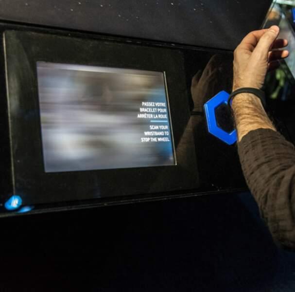 Une expérience unique où tous les visiteurs sont dotés de bracelets interactifs