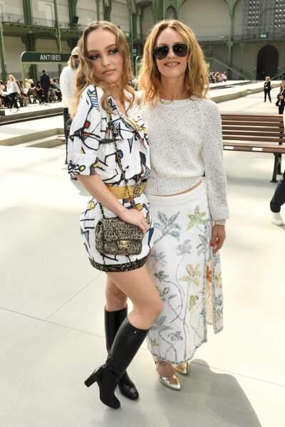 Paris, mai 2019, Lily-Rose Depp et Vanessa Paradis, stars du défilé Chanel