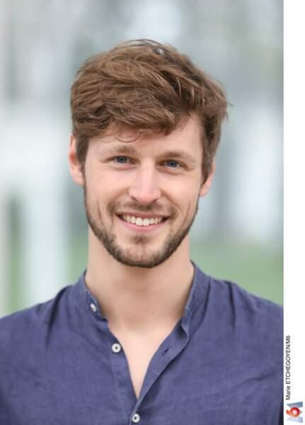 Baptiste, 26 ans, est mannequin
