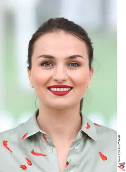 Djellza, 25 ans, est étudiante en pédagogie