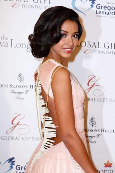 Flora Coquerel, Miss France 2014, ravissante avec sa nouvelle coupe de cheveux...