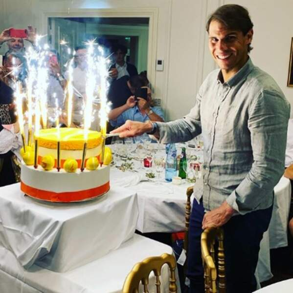 Félicitations à Rafael Nadal qui a remporté Roland-Garros pour la 1756e fois ce week-end (12 en vrai).