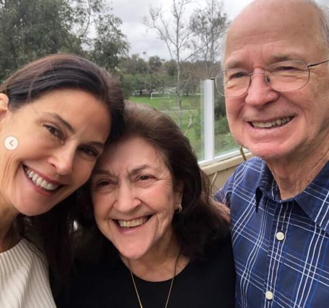 Voici Teri Hatcher et ses parents, Esther et Owen.