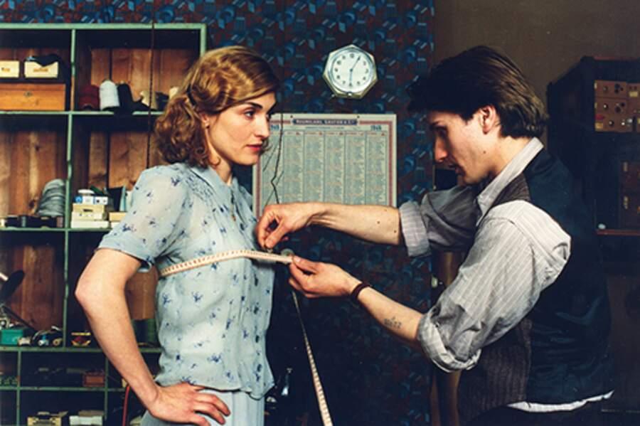 Julie Gayet et Stanislas Merhar dans Un monde presque paisible en 2002
