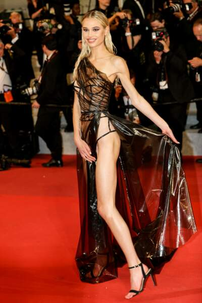 Meredith Mickelson incendiaire sur le tapis rouge