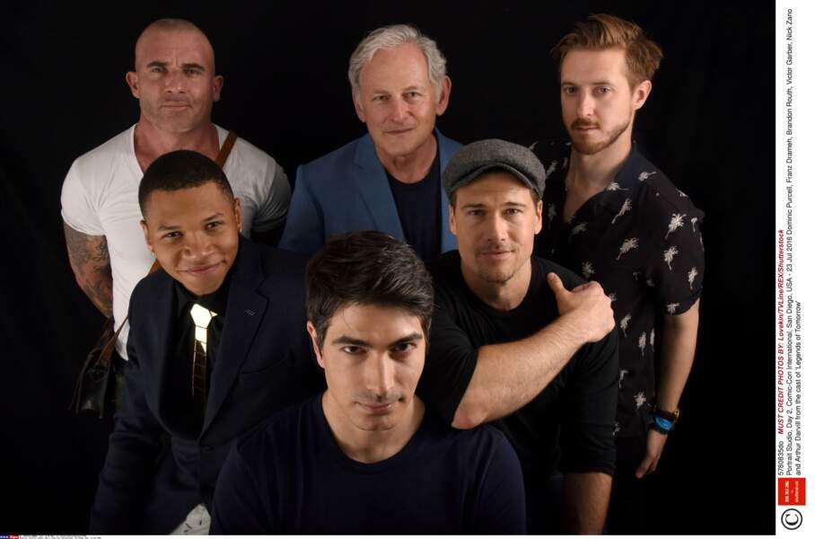 Photo de groupe également pour les acteurs de Legends of Tomorrow, le spin-off de Flash