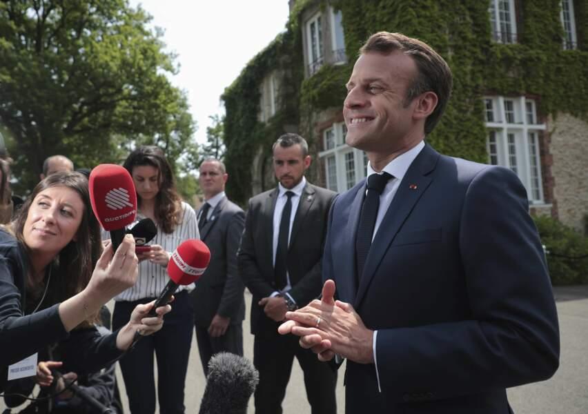 Le Président a tenu à encourager les filles, à trois jours du début du Mondial organisé en France