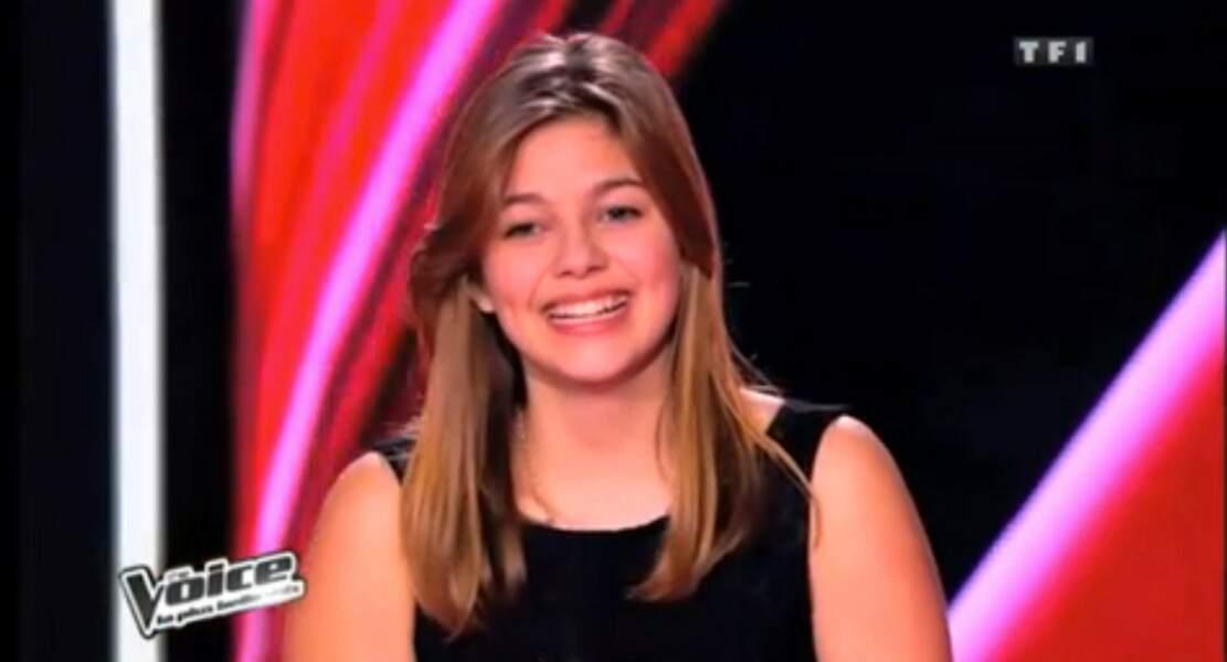 Louane, très émue lors de l'une de ses premières apparitions sur le plateau de The Voice